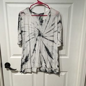 Black and White Marbled T-Shirt